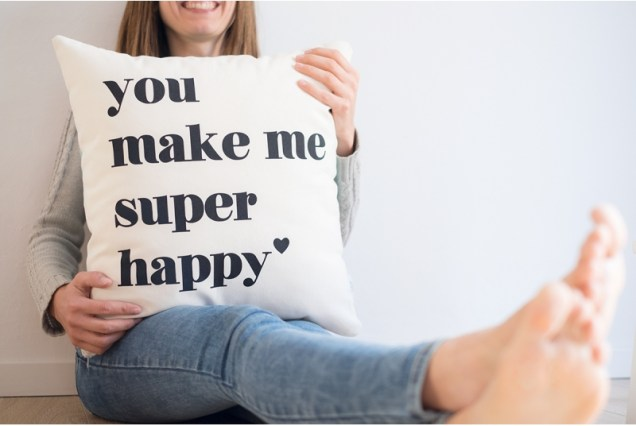 funda-cojin-you-make-me-super-happy-2
