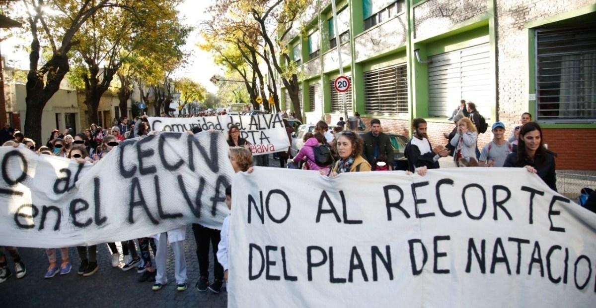 La Unión de Trabajadores de la Educación (UTE) se solidariza con la Escuela Alvarez Thomas y su lucha en defensa del natatorio