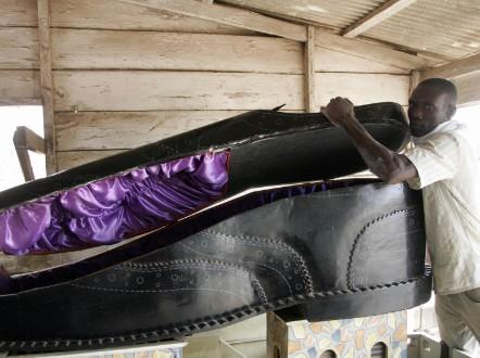 ghana ataud zapato