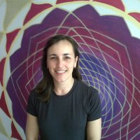 Aluna conta como a Yoga ajudou a vencer os sintomas de seu problema cardíaco