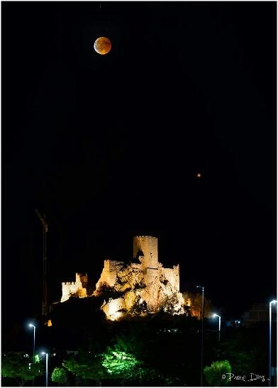 Eclipse de lune à Almansa