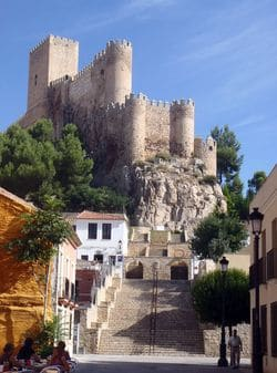 Almansa Castillo