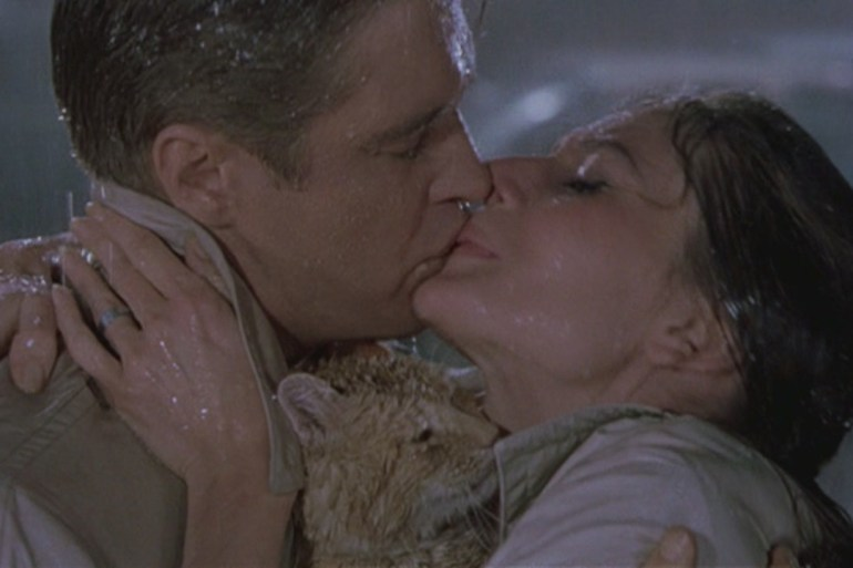 Holly-Paul-in-Breakfast-at-Tiffany-s-movie-couples-28039954-1280-720