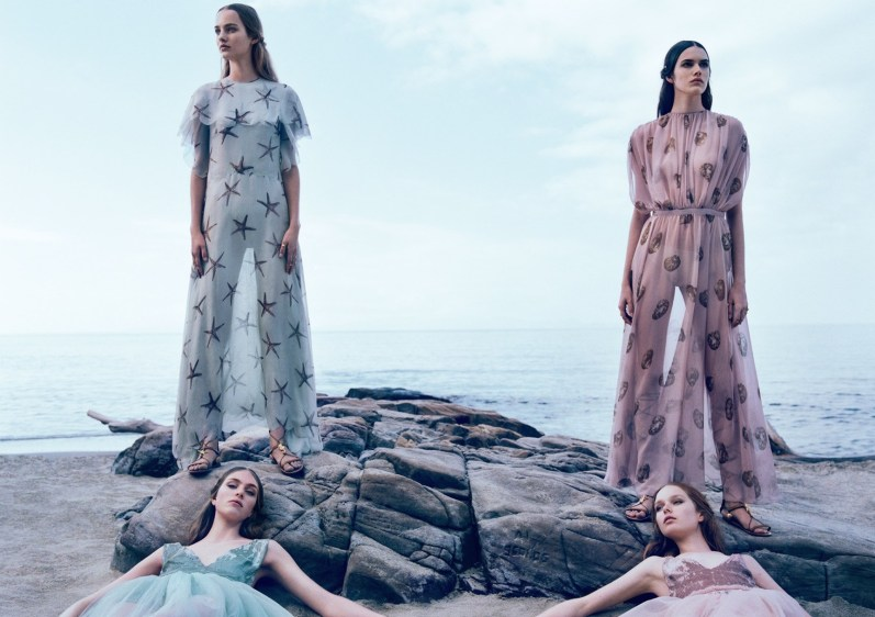 clementine-deraedt-grace-simmons-hedvig-palm-maartje-verhoef-vanessa-moody-by-michal-pudelka-for-valentino-spring-summer-2015-21
