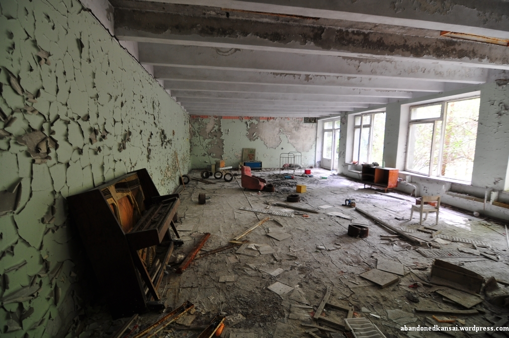 another-piano-was-the-a-building-in-pripyat-without-one