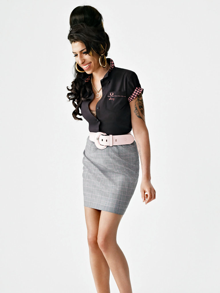 Amy+Winehouse+models+new+Fred+Perry+clothing+PRZDhtIE3uqx