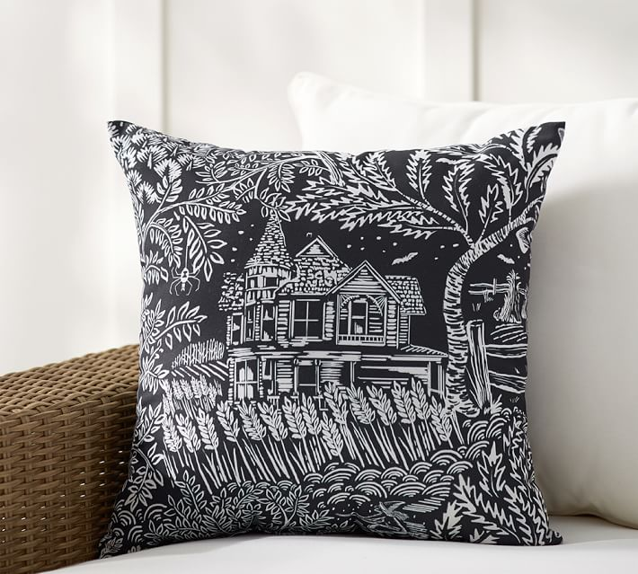 spooky-house-print-indoor-outdoor-pillow-o