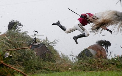 Desporto, 1.º lugar Tom Jenkins , Grand National Steeplechase