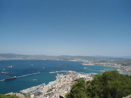 Gibraltar desde arriba, y a lo lejos España