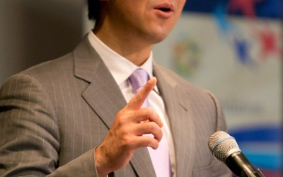 Discurso del Dr. Hyun Jin Moon en la apertura de Cumbre de las Américas en el Centro Carter, Convención de Paz Global 2012. (Parte 1)