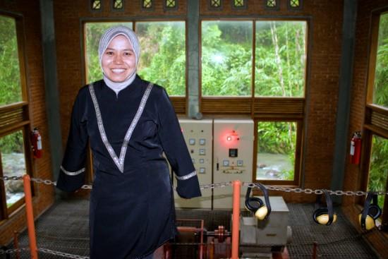 Día Internacional de la Felicidad: Tri Mumpuni, Premio Paz Global 2012 al Excepcional Espíritu Socio-Empresarial.