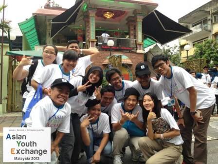 El Asian Youth Exchange es el programa anual que se enfoca en el desarrollo del carácter, creatividad y convicción de líderes jóvenes Asiáticos.