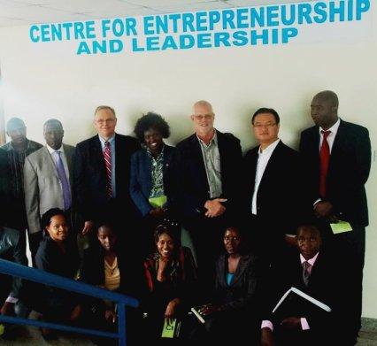 Primera reunión de visionarios en la Universidad KCA, junio de 2013.
