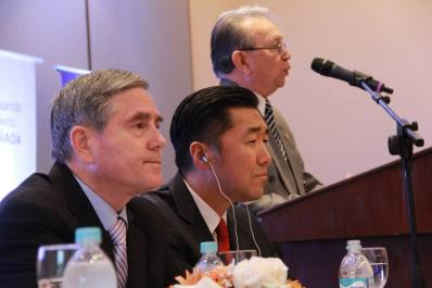 """Dr. José Altamirano pronuncia su discurso durante el Simposio Internacional: """"Hacia una Alianza entre Paraguay y Corea"""""""