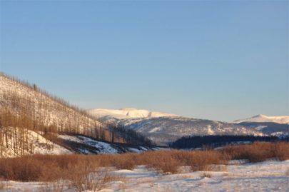 Burkhan Khaldun, Dios Montaña, emite las sombras del paisaje mongol.