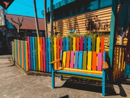 Los colores tambien decoran las casas de Nimbin