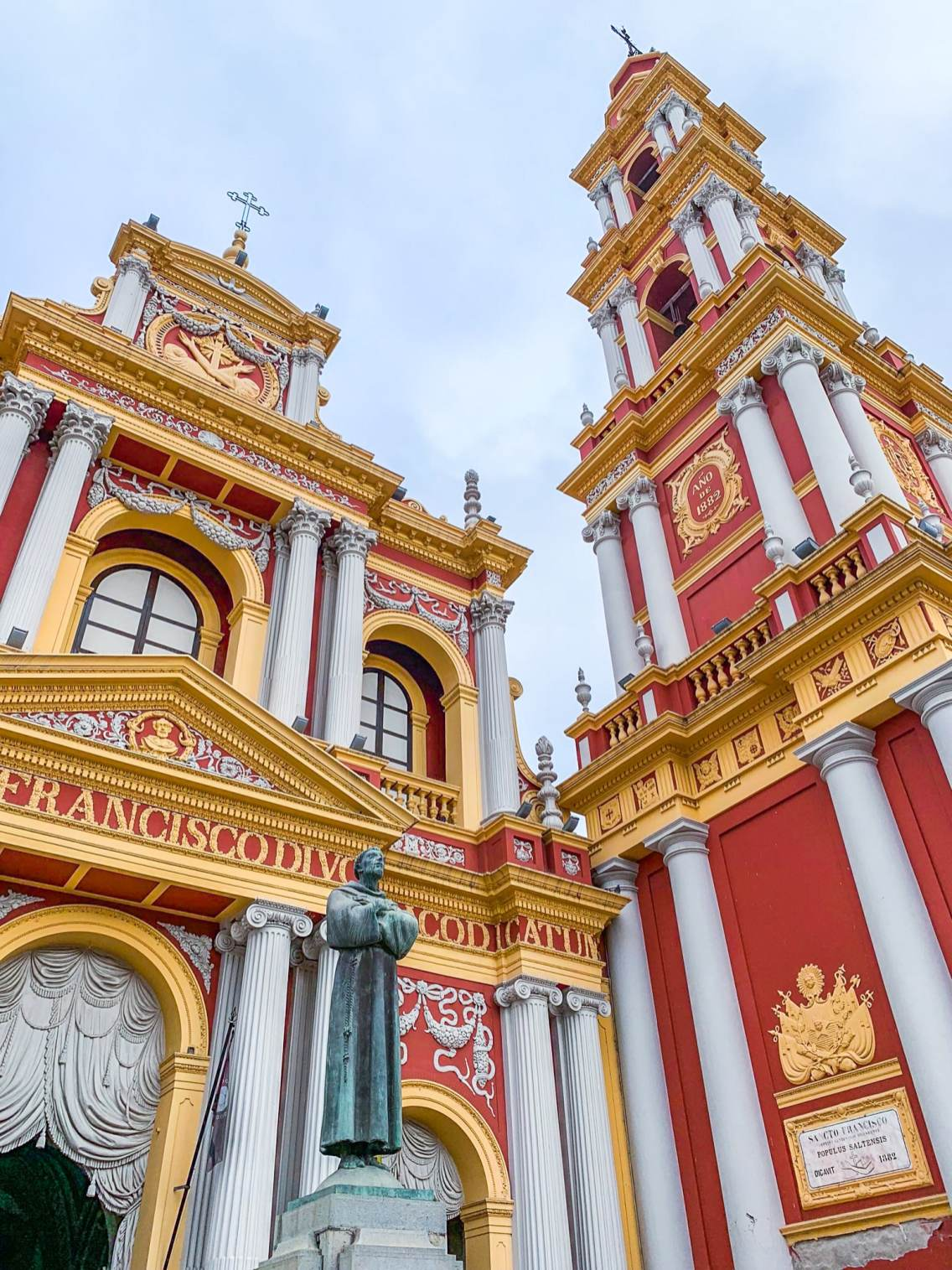 La Iglesia San Francisco de día