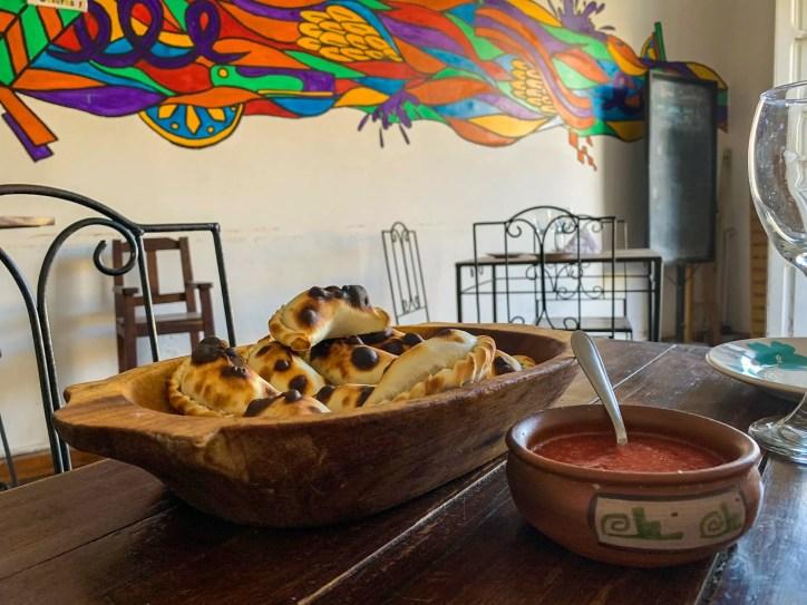 Casa de Oro, Salta: las mejores empanadas del viaje.
