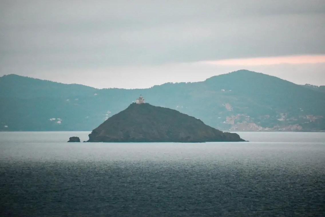 Isla de Elba desde lejos