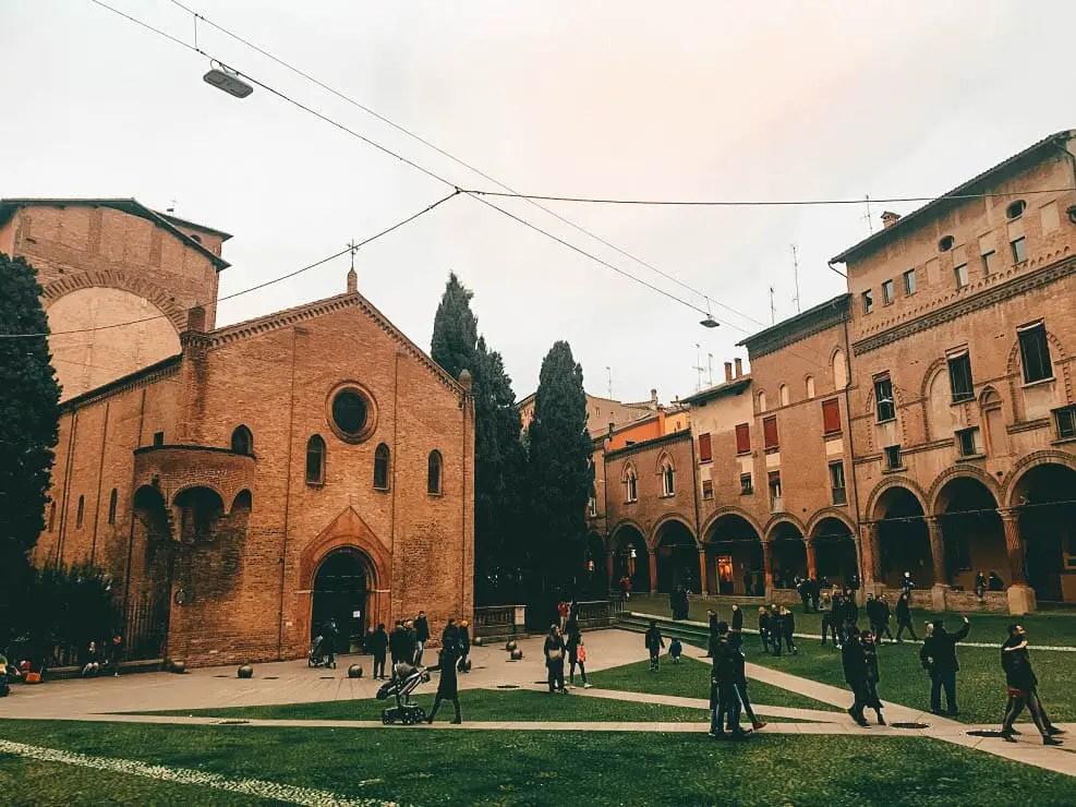 Piazza y Basilica de Santo Stefano