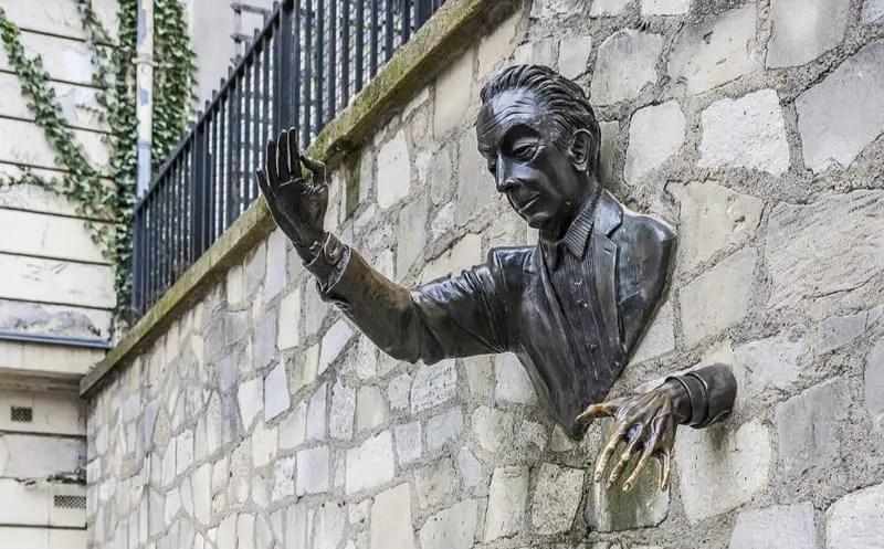 Passe muraille en Paris