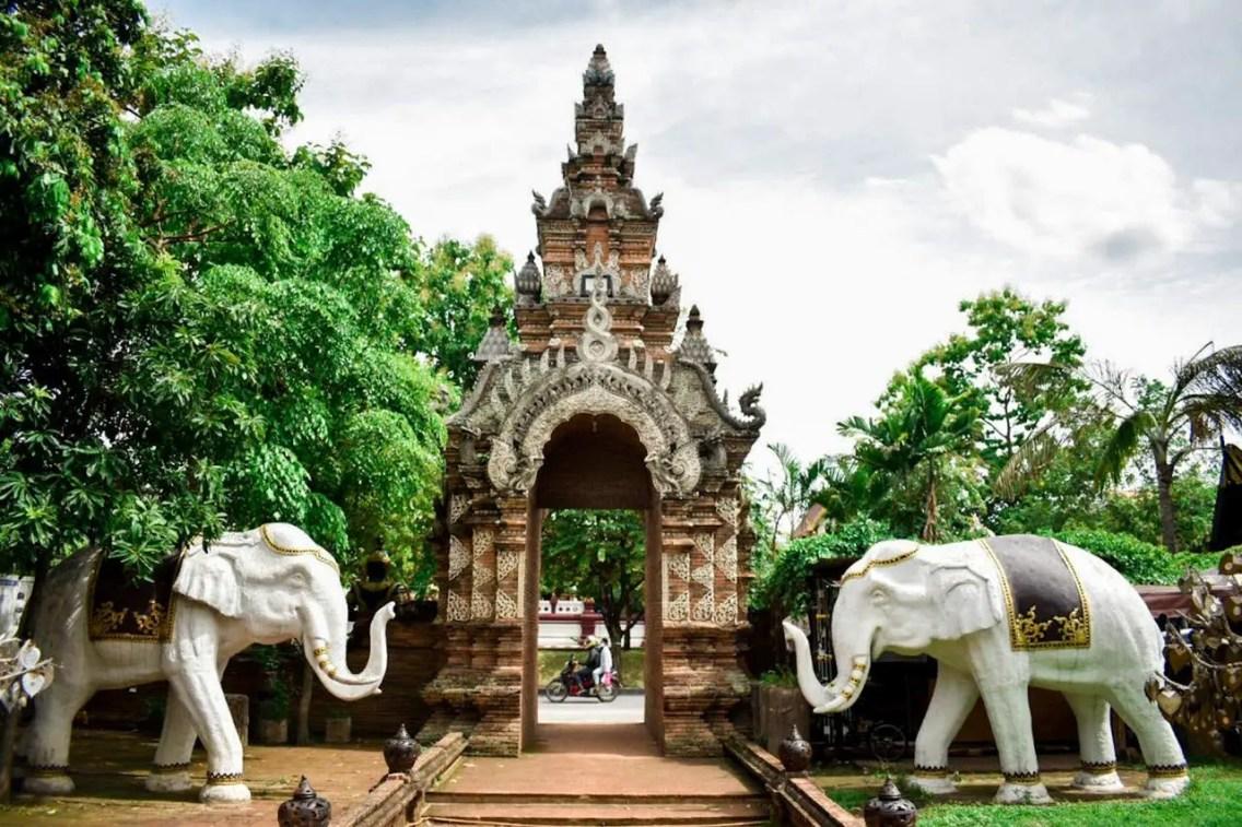 Wat Lok Molee1
