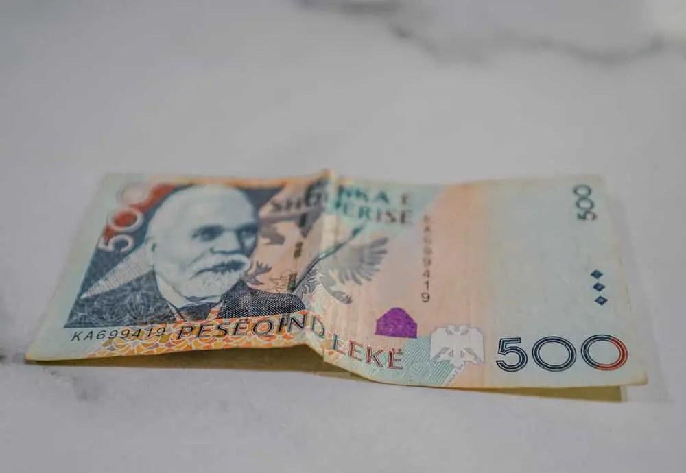 lek la moneda oficial de Albania
