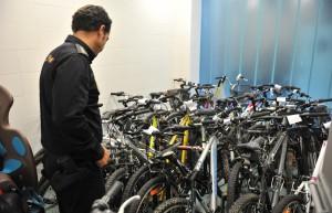 Comisaría de la Policía Nacional en el distrito Macarena. Reportaje sobre el robo de bicis.