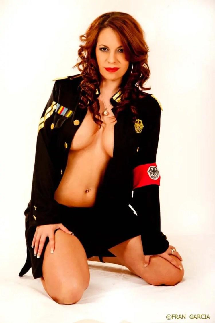 Contratar Striper en Sevilla Lara