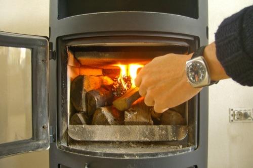 accensione-corretta-legna-stufa-letto-caldo-041