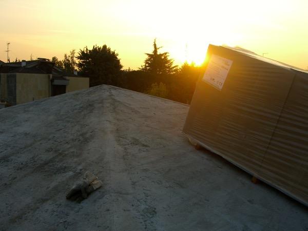 fibra-cosa-serve-subito-iniziare-isolamento-di-un-tetto-latero-cemento-fibra-legno-03