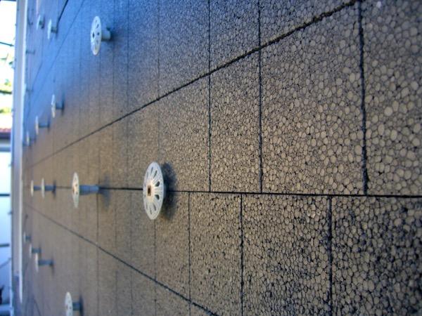 isolamento esterno a cappotto - La grafite contenuta nel pannello in EPS grigio 4