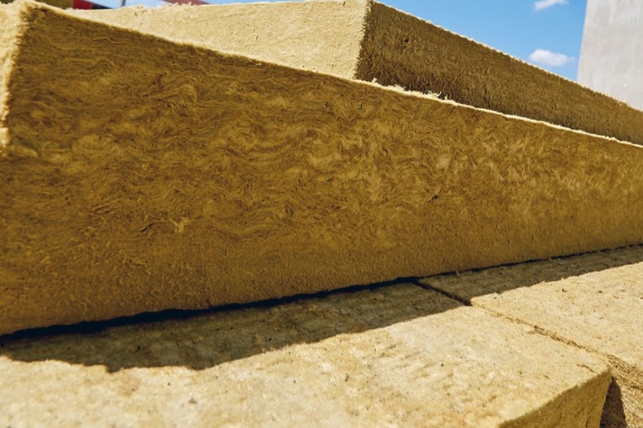 coibentazione contro il caldo - Sul tetto 30cm di lana di roccia si comportano come 20cm di fibra di legno 19