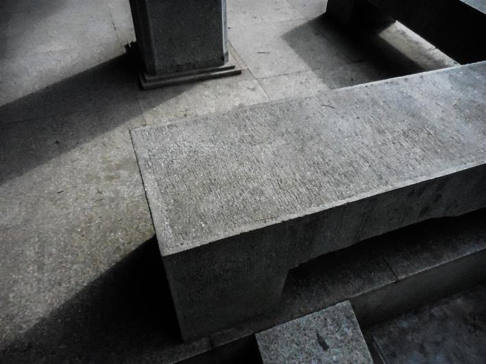 espinosa-art-photo_stone-bench