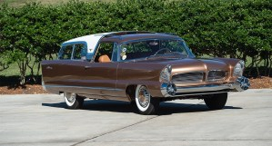1956 Chrysler Ghia Plainsman Concept Car vendido por 742.500 $