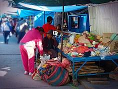 Farmacia open space, Chiway, Perù