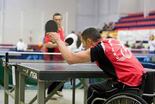 Resultado de imagen de ping pong amb cadires de rodes
