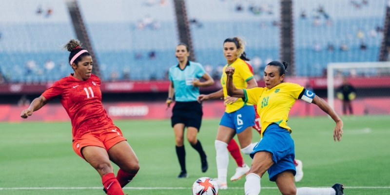 Marta pela seleção feminina de futebol