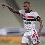 Fluminense entra na disputa por Daniel Alves e encaminha proposta ao ex-lateral do São Paulo