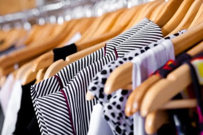 shopping by photostock 10049301