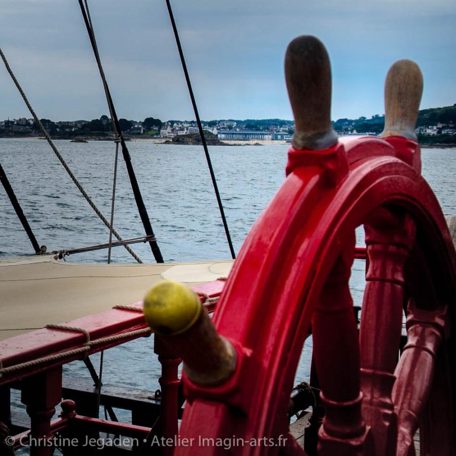photographie Christine Jegaden barre à roue rouge
