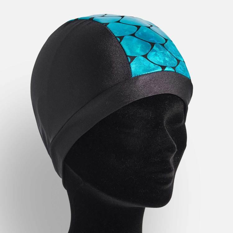 bonnet de bain en lycra noir avec une bande grandes écailles bleues grandes