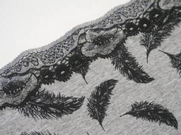 détail culotte dessin plume