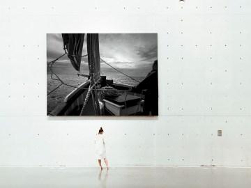 """Bout au vent Photographie Arnaud Carette""""Viens je m'en vais voir le monde""""Photographie Arnaud Carette, Départ de Douarnenez sur un vieux gréement, le Dahl Mad"""