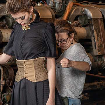 esprit celtique Concept store L'une de nos boutiques de créateurs :l'atelier de la Costumiere Gwenn Tillenon