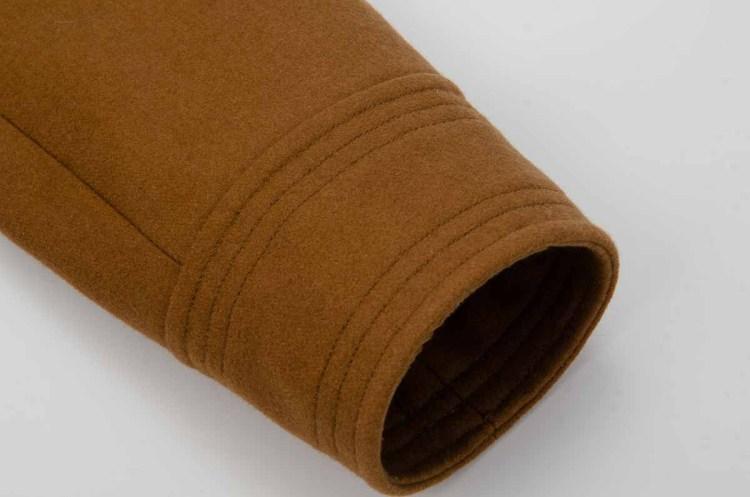 caban couleur camel détail de la manche