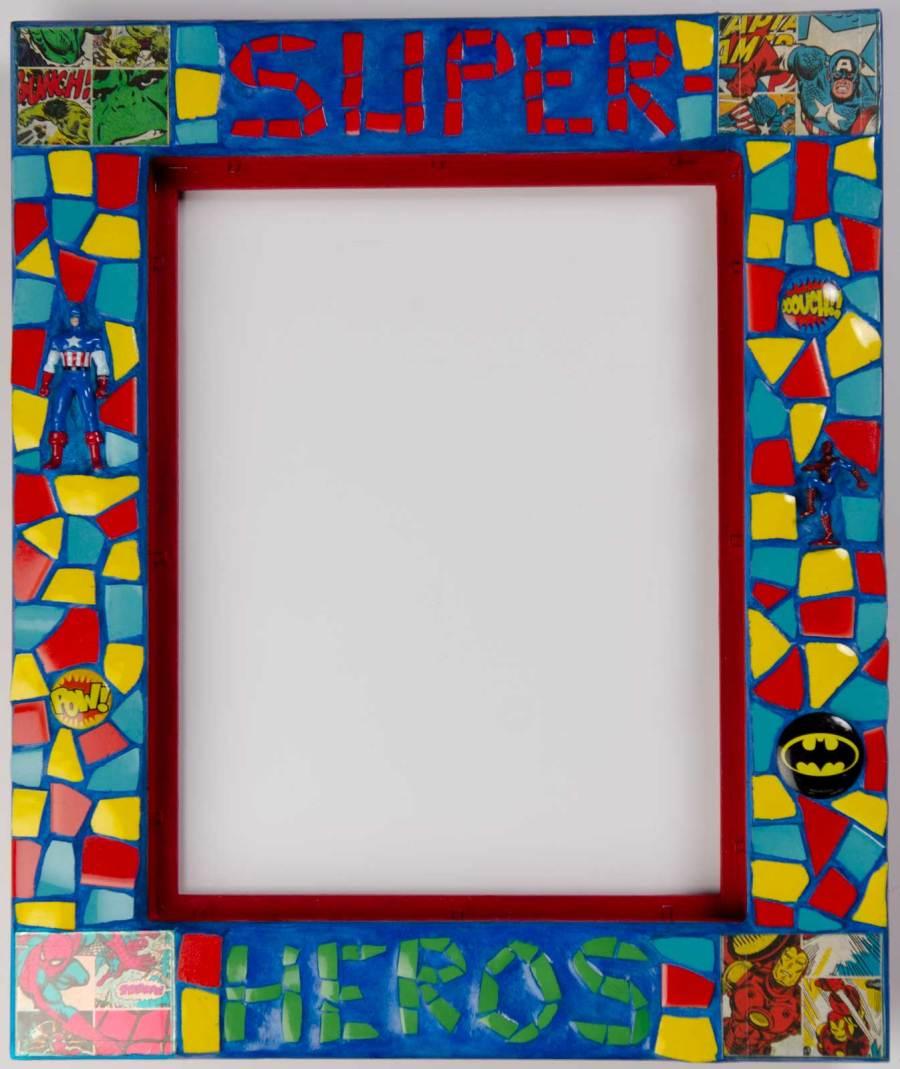 Miroir-MB-Mosaiques-super-héros-dominante rouge et bleu
