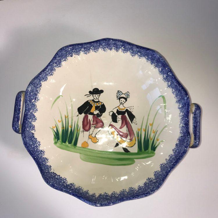 Coupe à fruit avec dessin traditionnel couple breton