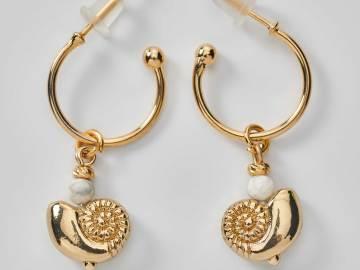 Boucles d'oreilles créoles coquillage et agate blanche