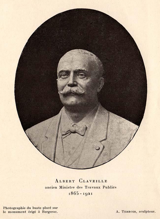 Photographie d'Albert Claveille placé sur le monument commémoratif érigé en son honneur